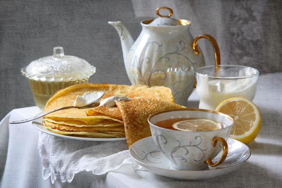 чай с блинами